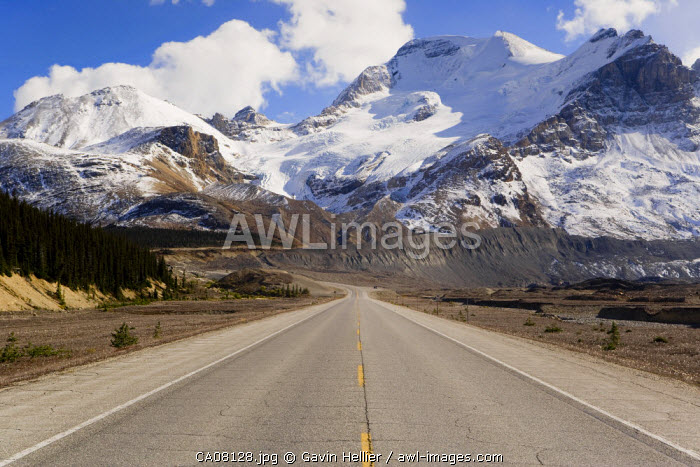 The Icefields Parkway, Columbia Icefield between Banff & Jasper, Banff-Jasper National Parks, Canada