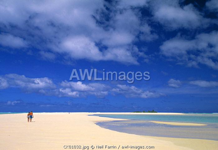 Couple on a beach, Aitutaki, Cook Islands