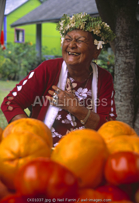 Portrait of old woman, Cook Islands