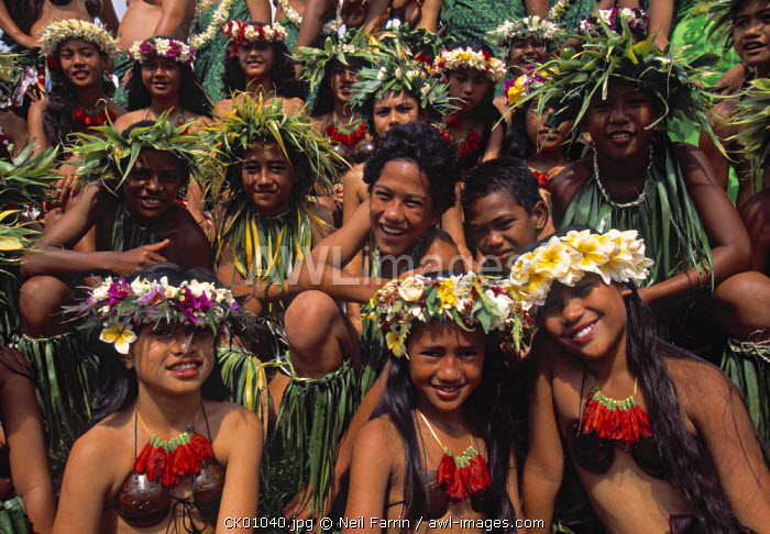 Group of young locals in traditional costume, Cook Islands