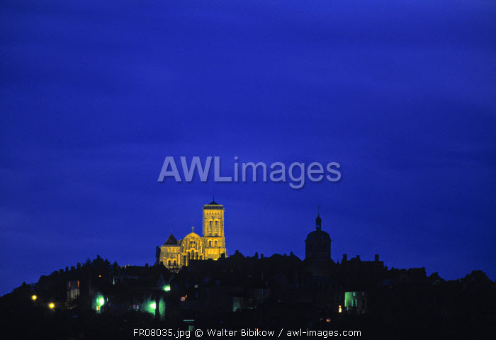 awl-images.com - France / Basilique Ste Madeleine, Vezelay, Yonne, Burgundy, France