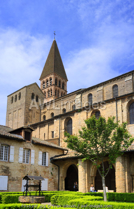 Romanesque church of St, Philibert (early 11th century), Tournus, Burgundy, France