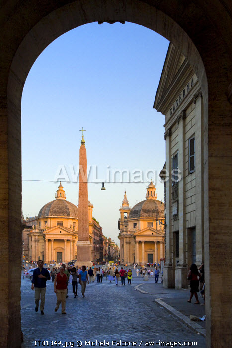 awl-images.com - Italy / Entrance to Piazza del Popolo, Rome, Italy