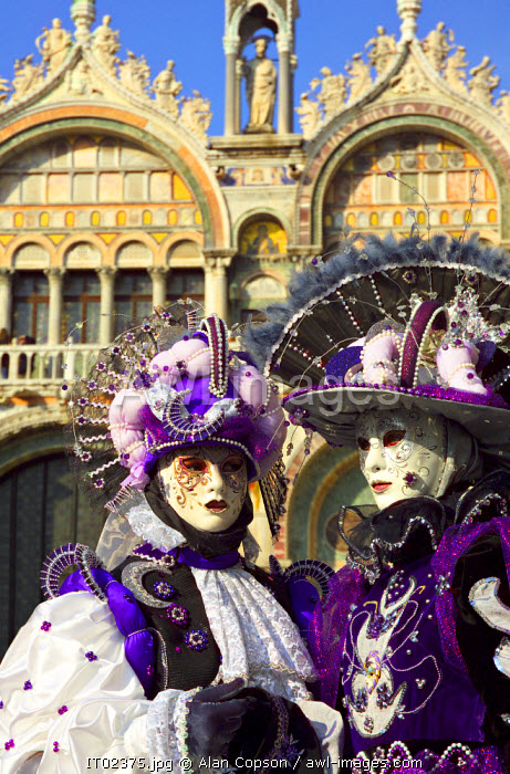 awl-images.com - Italy / Traditional carnival costume, Venice, Italy