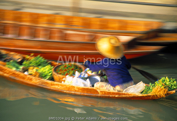 awl-images.com - Myanmar / Floating market, Lake Inle, Burma