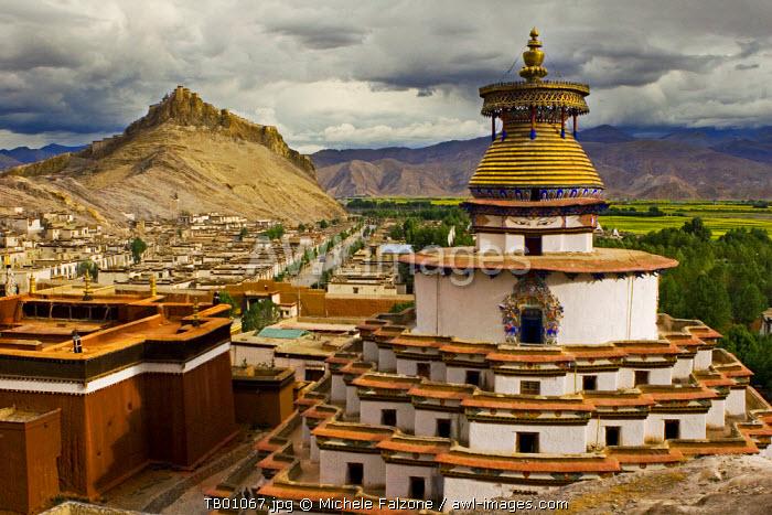 Gyantse monastery, along the friendship highway, Tibet