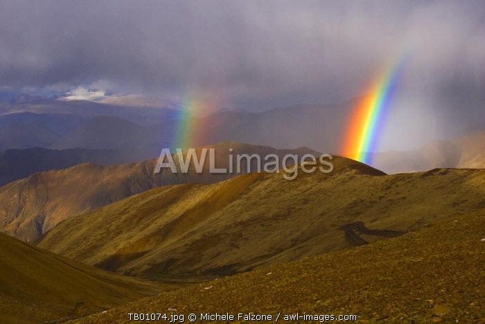 Gyatso la Pass at 5220m, Tibet