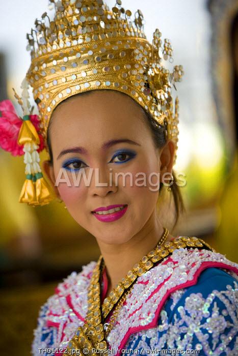 Traditonal Thai Dancers, Bangkok, Thailand