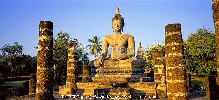 Seated Buddha, Old Sukothai/Muang Kao, Sukothai, Thailand