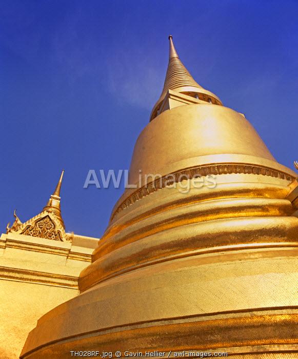 Temple of the Emerald Buddha (Wat Phra Kaew), Grand Palace, Bangkok, Thailand