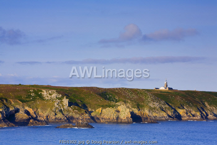 Lighthouse, Pointe du Raz, Cape Sizun, Finistere region, Brittany, France