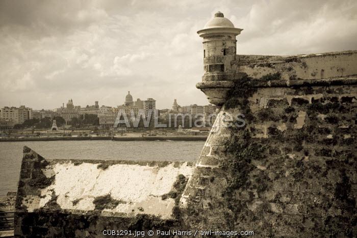Cuba, Havana. Castillo de los Tres Reys del Morro, Commonly known as El Morro, the castle was built between 1589 and 1630 across the bay from Havana city.
