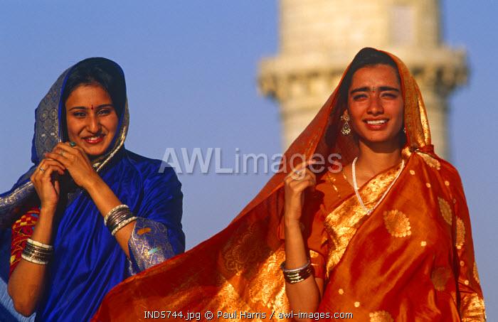India, Uttar Pradesh. Hindu visitors to the Taj Mahal, Uttar Pradesh, India, MR