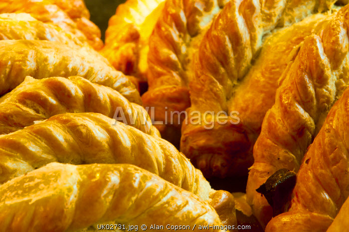 awl-images.com - England / UK, England, Cornwall, Padstow, Bakery, Cornish Pasties