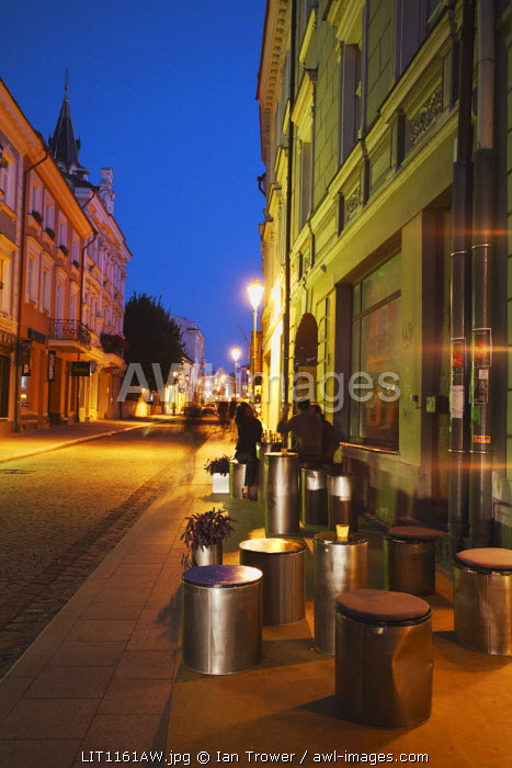 Lithuania, Vilnius, Outdoor Cafe On Pavement On Pilies Gatve