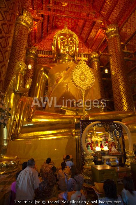 Thailand, Ayutthaya, Ayutthaya Historical Park, Wat Phanan Choeng, Giant Buddha Statue