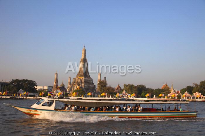 Thailand, Bangkok, Wat Arun and Chao Praya River