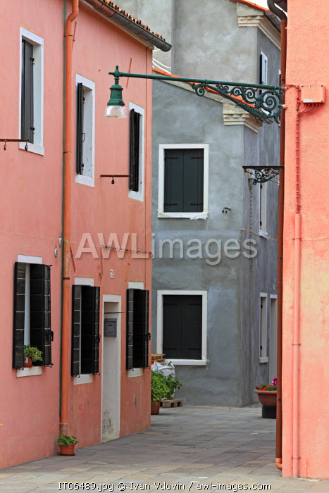 Houses with coloured facades, Burano, Venice, Veneto, Itlaly