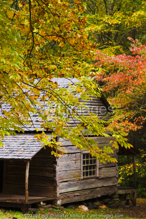 USA, Tennessee, Gatlinburg, Great Smoky Mountains National Park, historic Bud Ogle Farm, 1883-1925