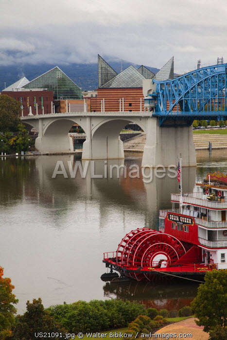 USA, Tennessee, Chattanooga, Delta Queen riverboat, Tennessee River