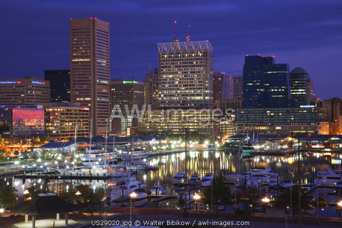 USA, Maryland, Baltimore, Inner Harbor, skyline from Federal Hill