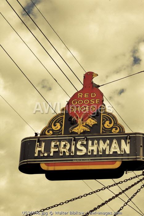 USA, Mississippi, Port Gibson, H. Frishman Red Goose Shoes, sign, former Jewish-owned buisness