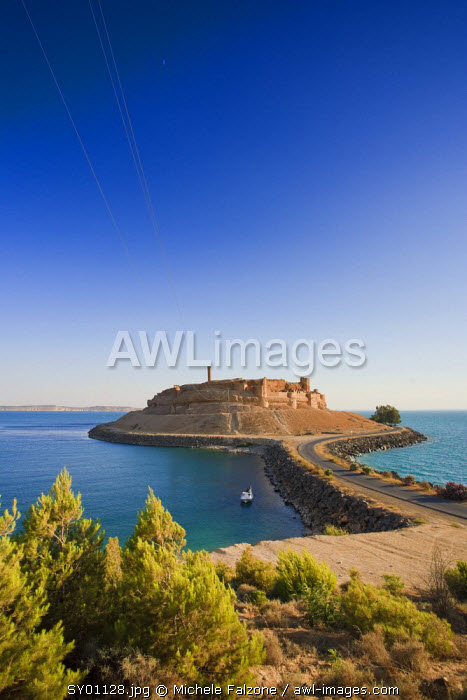 Syria, Euphrates river , Ath Thaura, Lake Al-Assad and Qalaat Jaabar Castle