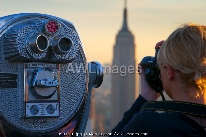 USA, New York, Manhattan, Empire State Building and Midtown from Top of the Rock at the Rockefeller Center