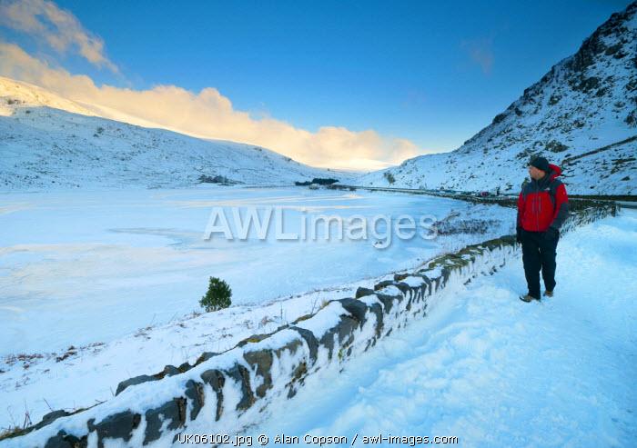 UK, Wales, Comwy-Gwynedd, Dyffryn Ogwen or Ogwen Valley, Llyn Ogwen or Ogwen Lake (MR)