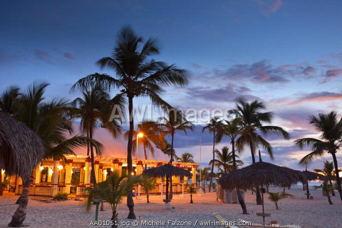 Caribbean, Netherland Antilles, Aruba, Eagle Beach, Beach Resort