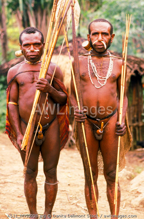 AWL Images Indonesia, Irian Jaya  People of the Korowai tribe, una