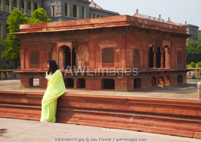 awl-images.com - India / Woman in sari at Red Fort (UNESCO World Heritage Site), Old Delhi, Delhi, India (MR)