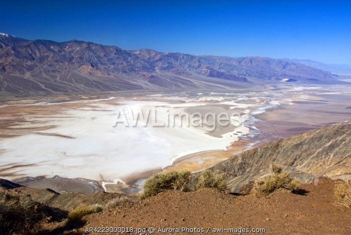 awl-images.com - USA / A view of Death Valley National Park taken from high above the valley floor at Dante's View, California, USA