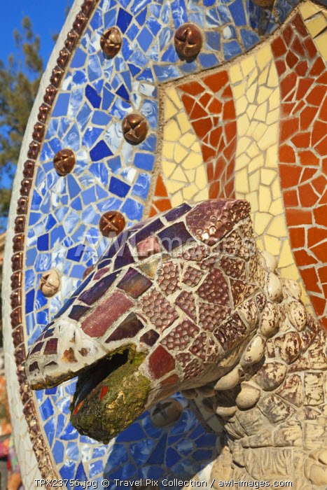 awl-images.com - Spain / Spain, Barcelona, Guell Park, Mosaic Dog's Head Fountain