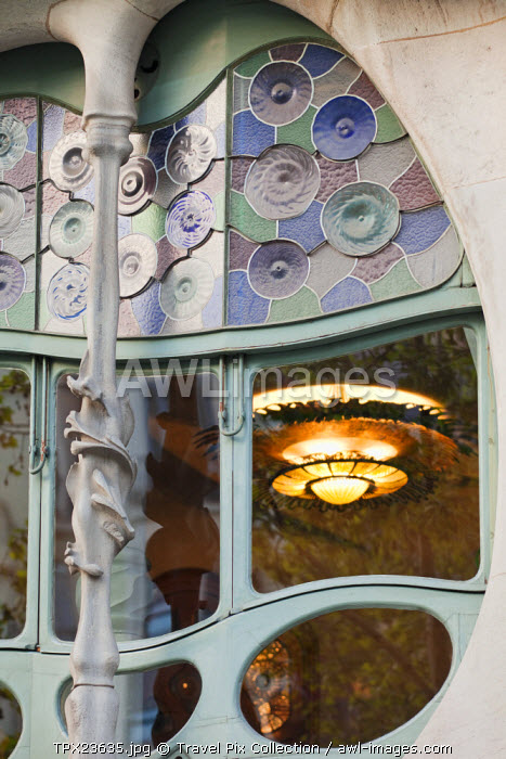 awl-images.com - Spain / Spain, Barcelona, Casa Batllo, Window Detail