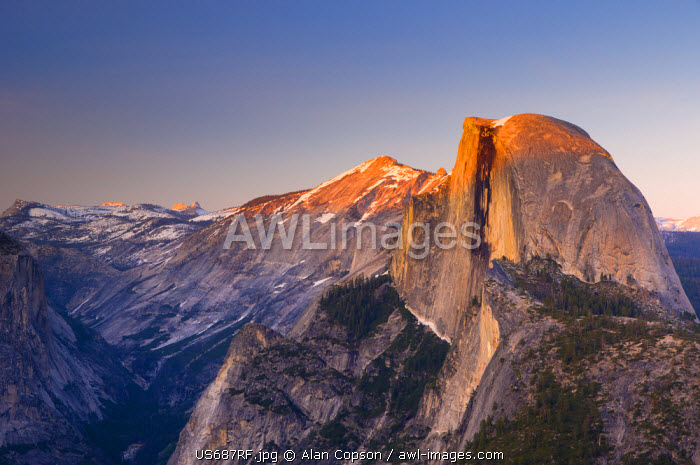 awl-images.com - USA / USA, California, Yosemite National Park, Half Dome from Glacier Point
