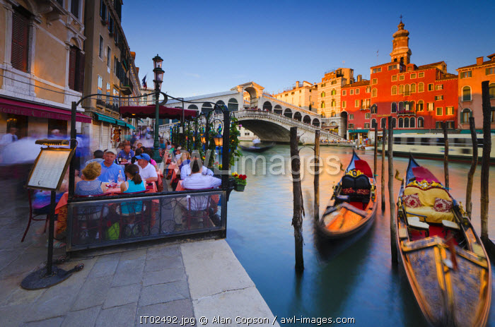awl-images.com - Italy / Italy, Veneto, Venice, Rialto Bridge over Grand Canal