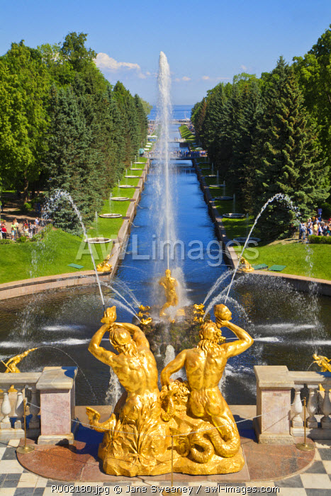 awl-images.com - Russia / Russia, St Petersburg, Peterhof Palace(Petrodvorets) Grand Cascade