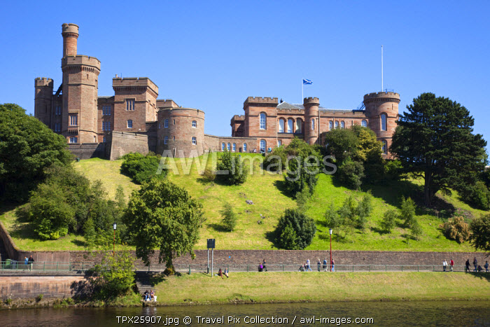 awl-images.com - Scotland / UK, Scotland, Highlands, Inverness, River Ness and Inverness Castle