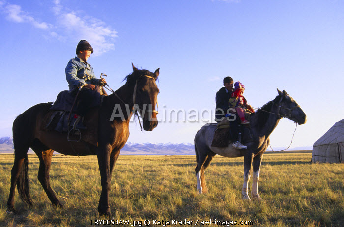 awl-images.com - Kyrgyzstan / Riders, Moldo Too Range, Lake Song-Kul, Kyrgyzstan
