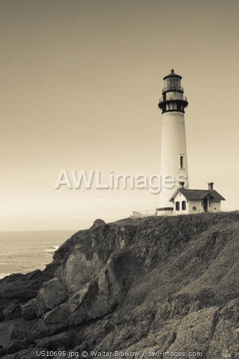 awl-images.com - USA / USA, California, Central Coast, Pigeon Point, Pigeon Point Lighthouse Station State Historic Park