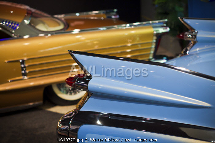 awl-images.com - USA / USA, California, Southern California, Los Angeles, Petersen Automotive Museum, 1950s era Pontiac and Cadillac hot rod custom automobiles