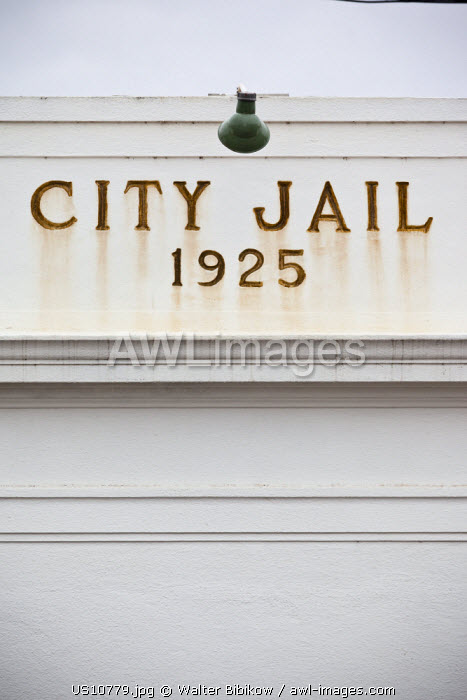 awl-images.com - USA / USA, California, San Joaquin Valley, Kingsburg, Little Sweden Area, once settled by Swedish Immigrants, City Jail, detail