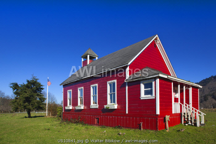 awl-images.com - USA / USA, California, Northern California, North Coast, Trinidad-area, Humbolt Lagoons State Park, red schoolhouse