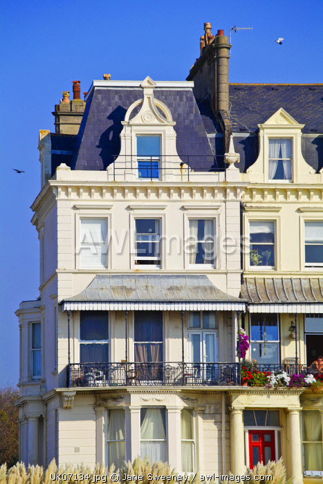 awl-images.com - UK, England / UK, England, Sussex, Brighton, Houses on seafront