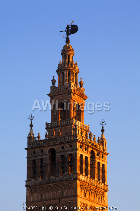 awl-images.com - Spain / Spain, Andalusia, Seville; Detail of la Giralda