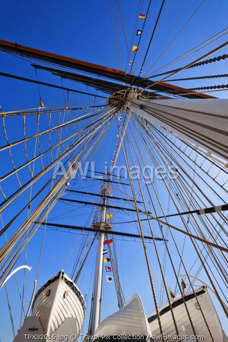 England, London, Greenwich, Cutty Sark, Ship's Masts