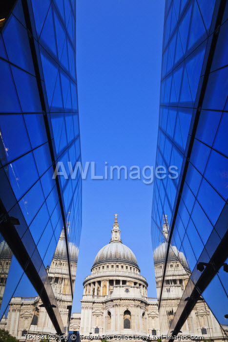 England, London, The City, St Pauls Cathedral