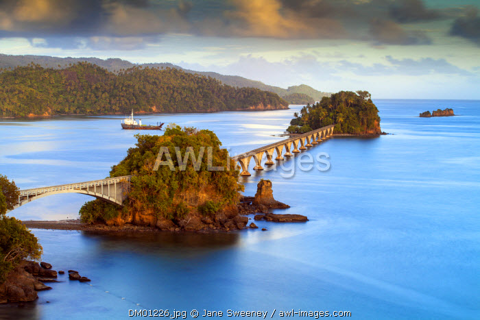Dominican Republic, Eastern Peninsula De Samana, Semana, View of harbour and Los Puentes - Famous bridge to Nowhere