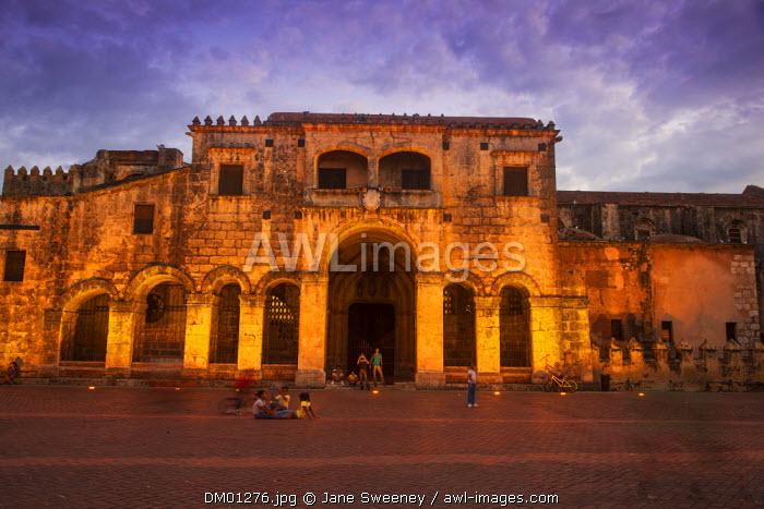 Dominican Republic, Santa Domingo, Colonial zone, Catedral Primada de America at twilight